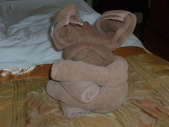 Grifid Hotels Club Hotel Bolero: Animaux en serviettes sur le lit