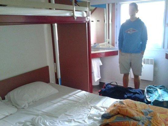 HôtelF1 Mulhouse centre ouest : Scattata dall'estremità della stanza