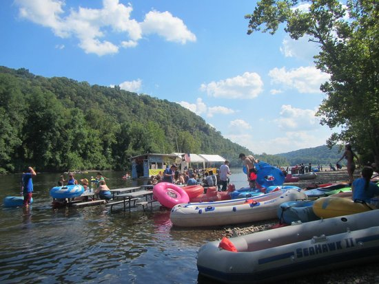 Delaware River Tubing: Parking for lunch