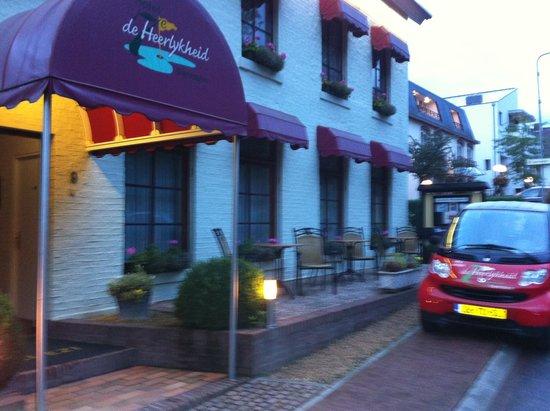 Hotel en Brasserie De Zevende Heerlijkheid: hotel front