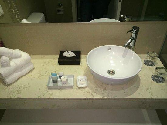 After Hotel Montevideo: Foto da Pia do Banheiro