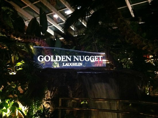 Golden Nugget Laughlin: Cascata all'interno dell'hotel