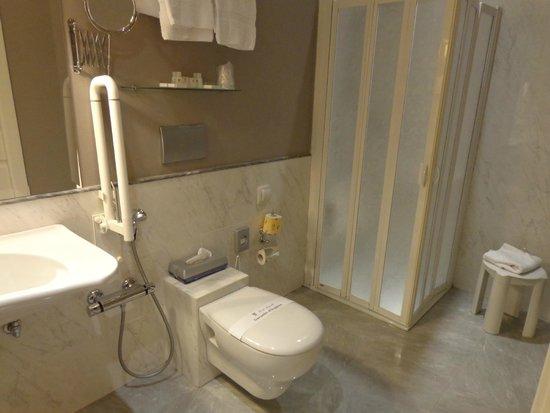 Hotel Rapallo: Detalhe do banheiro