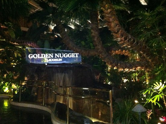 Golden Nugget Laughlin: Cascate all'interno dell'hotel