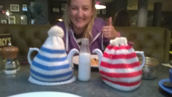 Darcy's: Teapots with tea cosys