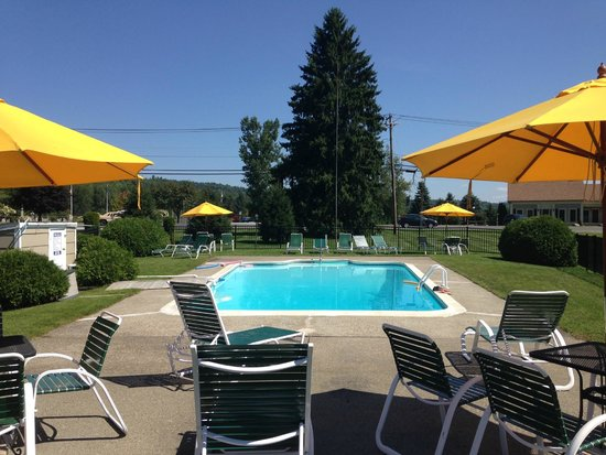Stowe Motel & Snowdrift : Warm Pool! Swimming accessories included