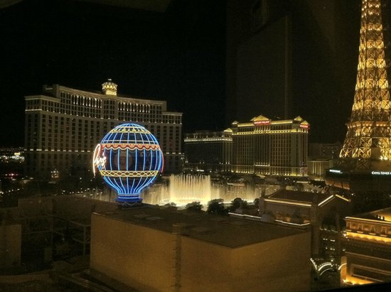 Planet Hollywood Resort & Casino: View from our Premium Fountain View room