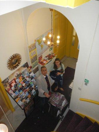 Hotel Van Eyck: high stairs