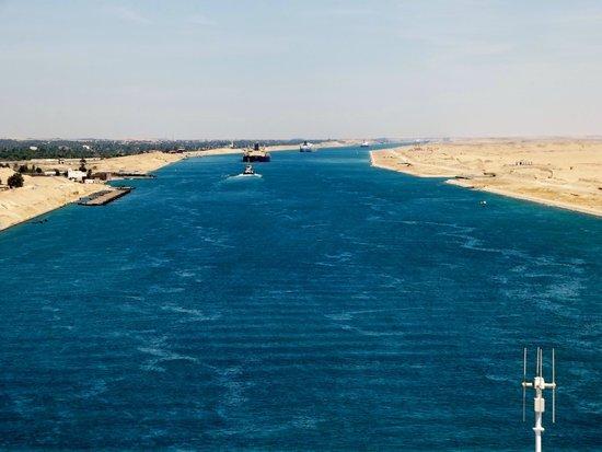 Suez Canal: convoglio