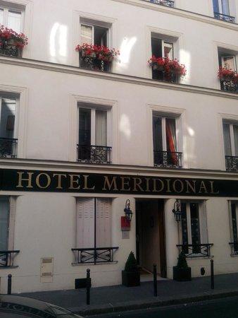 Meridional Hotel: Vista d'insieme del palazzo in cui è situato l'hotel