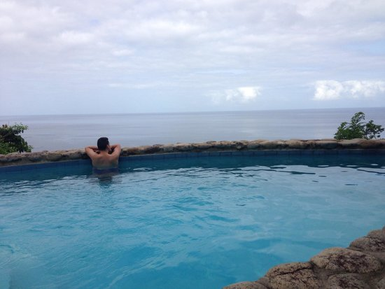Stonefield Villa Resort: View from our Flamboyant pool