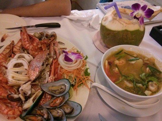Ying Restaurant: seafood basket 450B. coconut shake