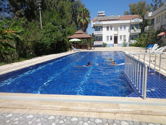 Kilim Apart Hotel : piscine