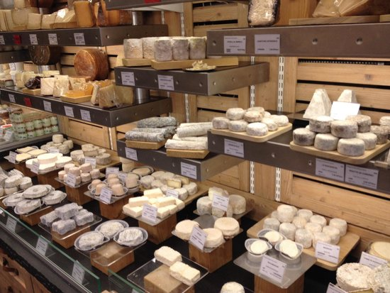 Fromagerie Laurent Dubois : Beautiful shop, sets the standard very high!!