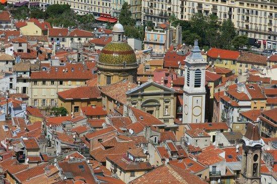 Colina del Castillo: vue sur les toits du vieux Nice