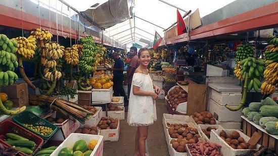 Four Seasons Resort Maldives at Kuda Huraa: Trip to the local veggie market on Male.