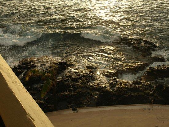 Royal Kona Resort : Surf
