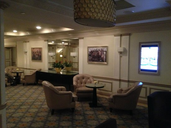 Warwick New York Hotel : Area relax e meeting