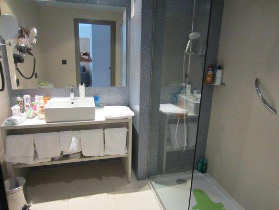 Holiday Village Majorca - Protur Monte Safari: gorgeous bathroom