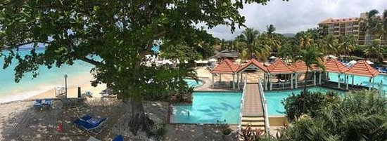 Jewel Dunn's River Beach Resort & Spa: View of the grounds