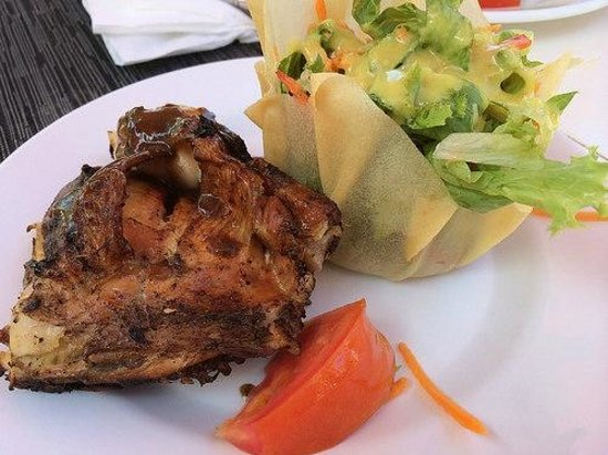 Jewel Dunn's River Beach Resort & Spa: Jerk Chicken & Salad from outdoor grill