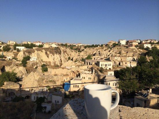 Lamihan Hotel Cappadocia: morning coffee on the terrace