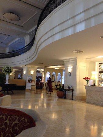 Sunrise Nha Trang Beach Hotel & Spa : Foyer