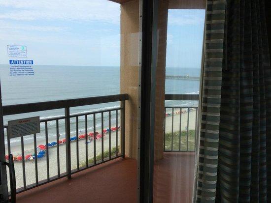 Embassy Suites by Hilton Myrtle Beach-Oceanfront Resort: Ocean front bed room
