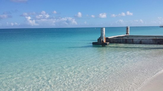 Royal West Indies Resort : The old pier near Club Med