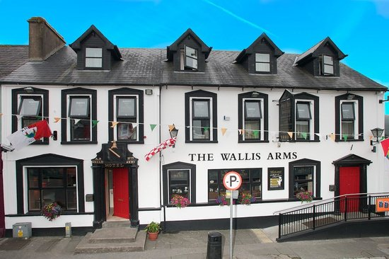 Wallis Arms
