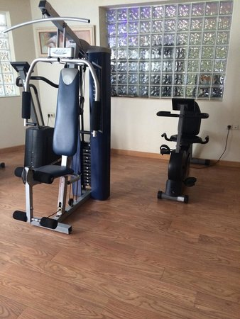 Servigroup Castilla : More home gym than hotel gym sadly :(