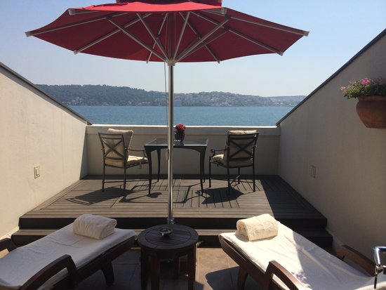 Four Seasons Istanbul at the Bosphorus: Rooftop Terrace