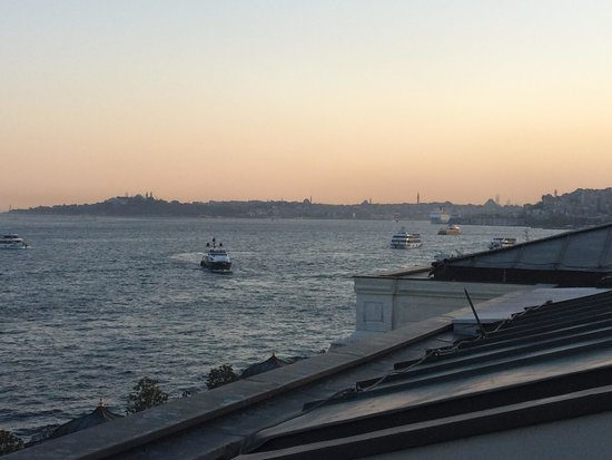 Four Seasons Istanbul at the Bosphorus: Sunset from Rooftop Terrace