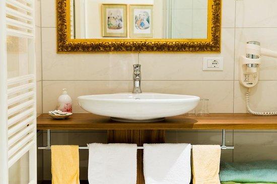 Hotel Tappeiner: Badezimmer Kategprie C