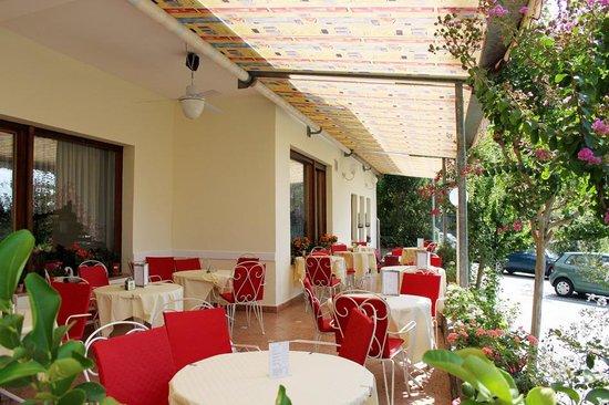 Hotel Tappeiner: Terrasse