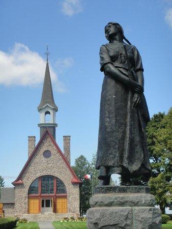 Olde Lantern Inn and Vineyard: Acadian history in your backyard