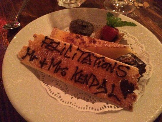 Kendells Bistro: Complimentary dessert!