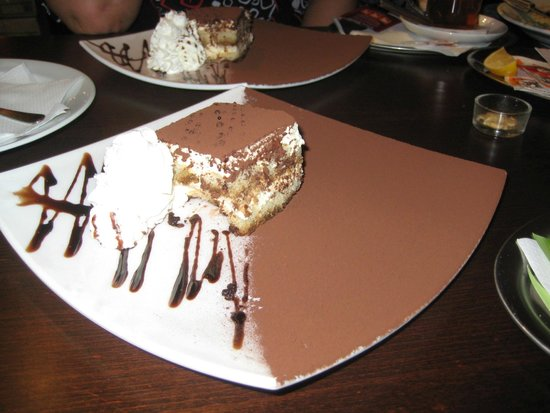 pizza kitty: This is how their Tiramisu looks like. Can you resist it? We can't!