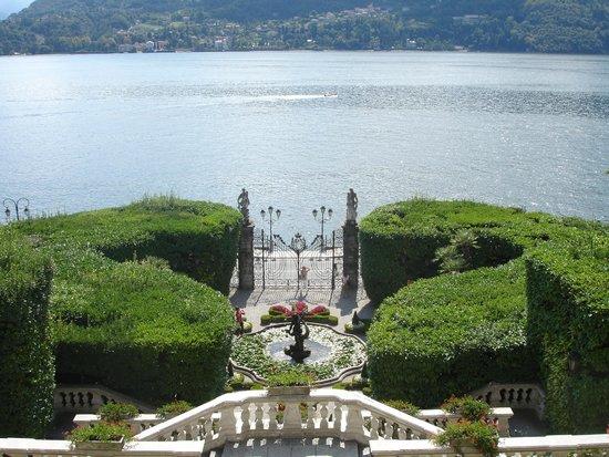 Villa Carlotta: View over looking Como from villa