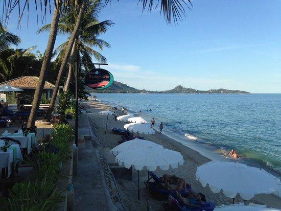 Rummana Boutique Resort: Blick von der kleinen Bar zum Strand