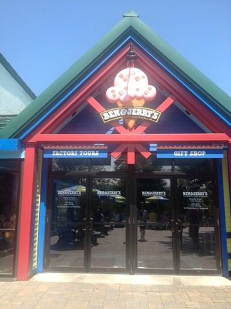 Ben & Jerry's: Outside of the factory at the customers entrance