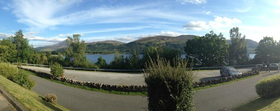 Macdonald Loch Rannoch Hotel: View from the seating at the front of the hotel
