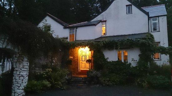Edgcott House : Entry porch