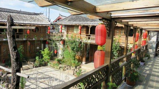 Baisha Ancient Town : baisha holiday resort