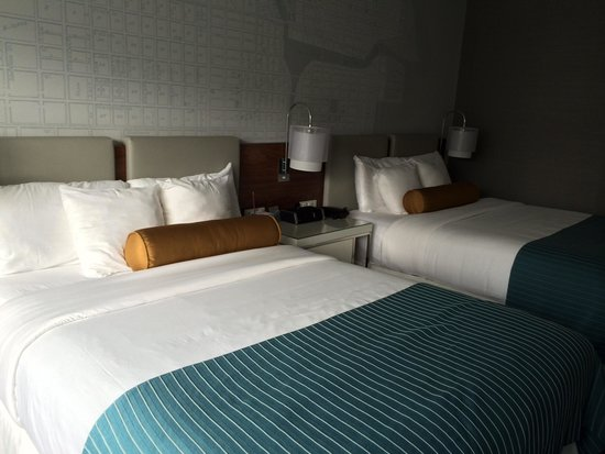 Kinzie Hotel: Lovely modern spacious room