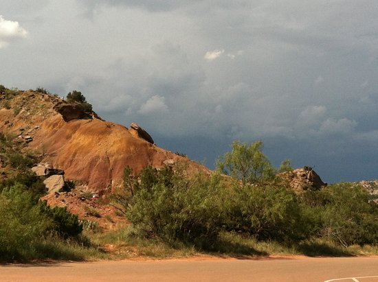 Palo Duro Canyon State Park : The storm approaches.