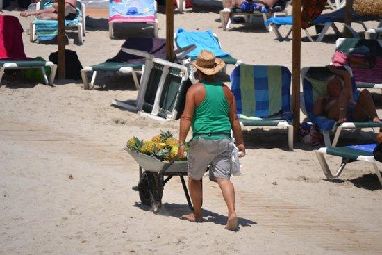 Barcelo Ponent Playa: Fruit for sale.