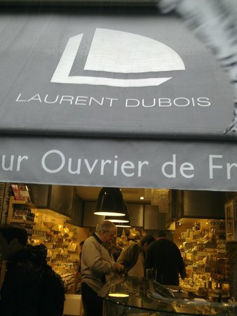 Fromagerie Laurent Dubois : the outside of the Maubert store