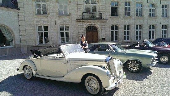 Le Chateau de Cocove : Vintage Car Club Meet Up (I assume)
