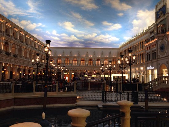 The Grand Canal Shoppes at The Venetian: Plaza San Marcos